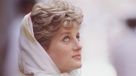 Diana visits Egypt in May 1992.