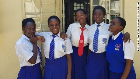 Nigerian girls win US contest for app that spots fake drugs