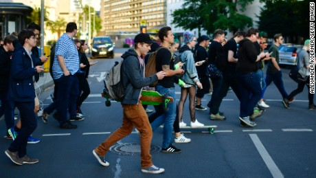 Texting more dangerous for pedestrians than listening to music or speaking on the phone