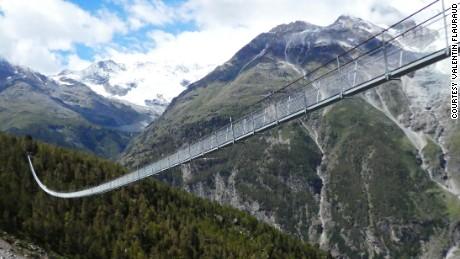 World S Longest Pedestrian Suspension Bridge Cnn Video