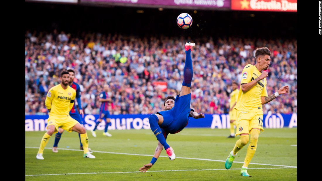 Neymar tries an overhead kick during a Spanish league match against Villarreal in May.