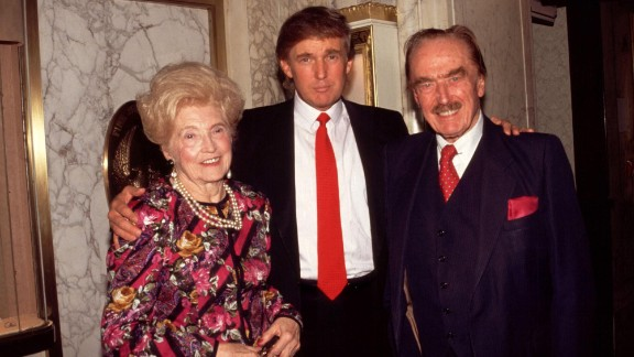 HXNA87 Donald Trump with his parents Mary and Fred Trump