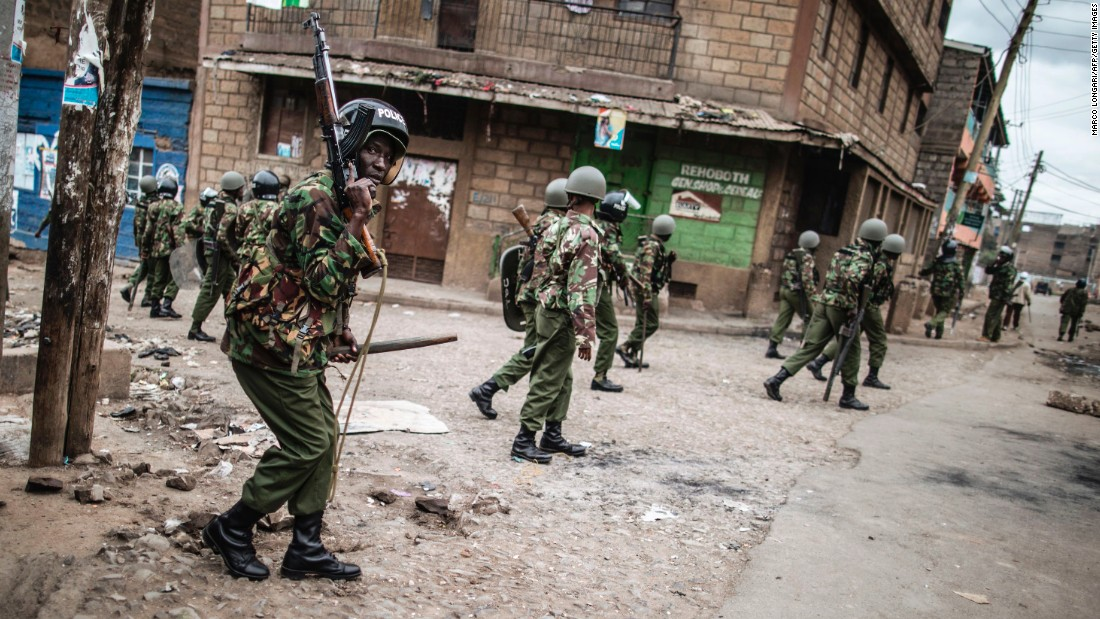Kenyan security forces patrol in Mathare in Nairobi.