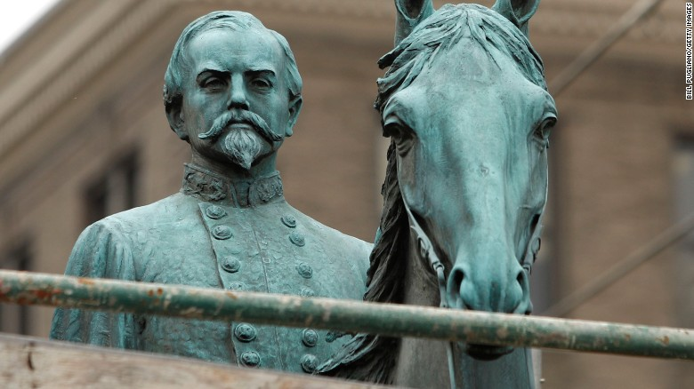 Should the US ban Confederate monuments?