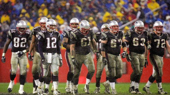 Brady leads his team in 2004, while playing the Baltimore Ravens.