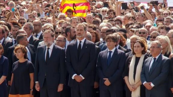 King Felipe VI of Spain leads a moment of silence  in Plaça de Catalunya on Friday.