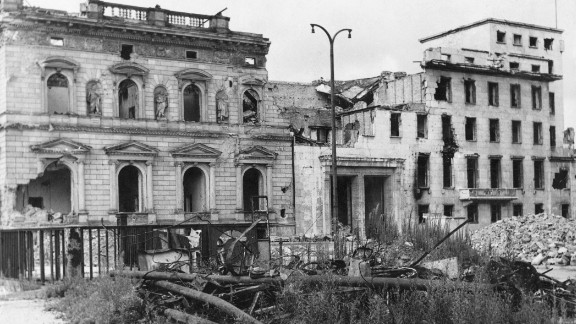 The ruins of the Old Reich Chancellery (left) and its modern annexe, seen from Wilhelmplatz, Berlin, 15th August 1947. The building was formerly the residence of Nazi leader Adolf Hitler.
