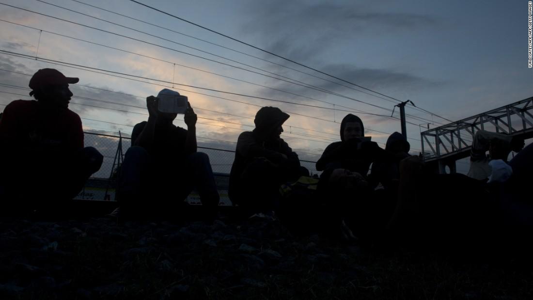 Impact of Sessions' asylum move already felt at border – Trending Stuff