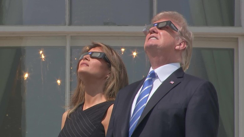 president trump viewing eclipse_00002217