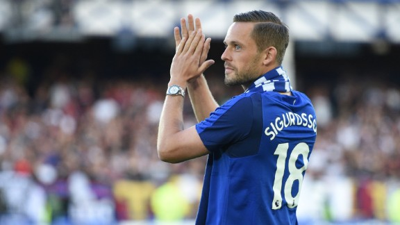Icelandic set piece specialist Gylfi Sigurdsson became the eighth signing of a productive window for Everton boss Ronald Koeman in August, joining for a club-record fee. The attacking midfielder, 27, covered more ground (433 kilometers) than any other Premier League player in 2016/17, directly contributing to 22 Swansea goals.