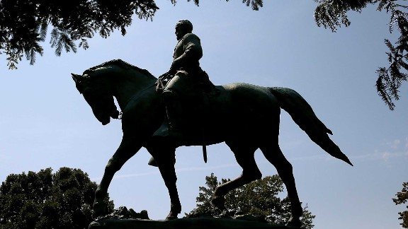 CHARLOTTESVILLE, VA - AUGUST 22:  The statue of Confederate Gen. Robert E. Lee stands in the center of the renamed Emancipation Park on August 22, 2017 in Charlottesville, Virginia. A decision to remove the statue caused a violent protest by white nationalists, neo-Nazis, the Ku Klux Klan and members of the 'alt-right'.  (Photo by Mark Wilson/Getty Images)