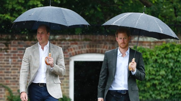 LONDON, ENGLAND - AUGUST 30: (L-R) , Prince William, Duke of Cambridge and Prince Harry are seen during a visit to The Sunken Garden at Kensington Palace on August 30, 2017 in London, England.  The garden has been transformed into a White Garden dedicated in the memory of Princess Diana, mother of The Duke of Cambridge and Prince Harry.  (Photo by Kirsty Wigglesworth- WPA Pool/Getty Images)