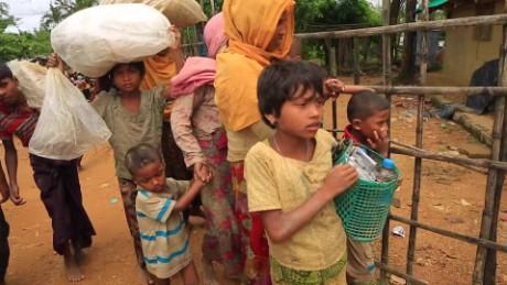 Rohingya Muslims flee violence in Myanmar