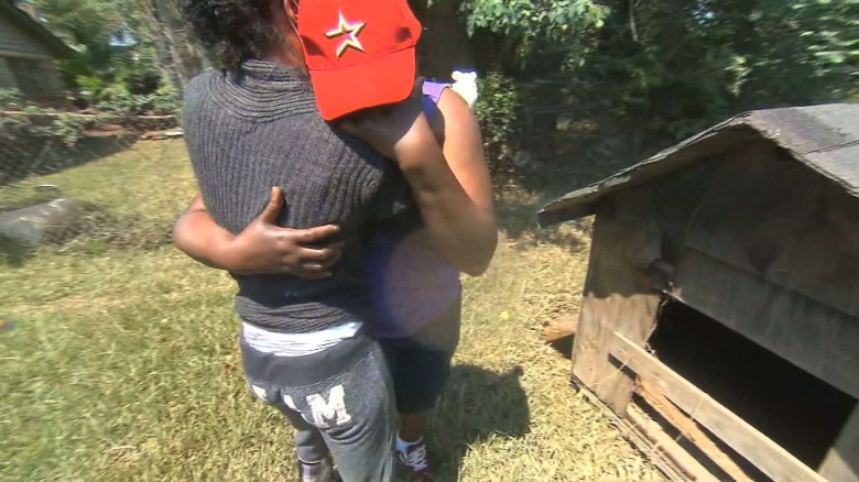 Texas woman's emotional homecoming after flood