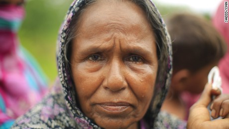 Rohingya refugee Ramiza Begum fled to Bangladesh with her family, leaving everything behind in Myanmar. She tells CNN her house was burned down.