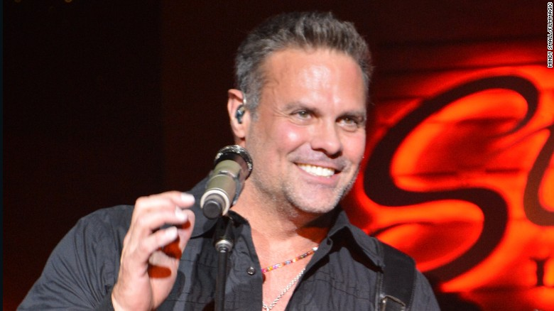 Country star Troy Gentry dead at 50