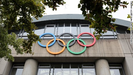 A picture taken on September 13, 2017 shows Olympic Rings on the Olympic swiming pool Georges Vallerey, built for the summer olympic games of 1924, in Paris. The International Olympic Committee will confirm Paris and Los Angeles as hosts for the 2024 and 2028 Olympics here on September 13, crowning two cities at the same time in a historic first for the embattled sports body. / AFP PHOTO / LUDOVIC MARIN        (Photo credit should read LUDOVIC MARIN/AFP/Getty Images)