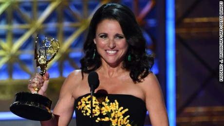 TOPSHOT - Actor Julia Louis-Dreyfus accepts Outstanding Lead Actress in a Comedy Series for 'Veep' onstage during the 69th Emmy Awards at the Microsoft Theatre on September 17, 2017 in Los Angeles, California. / AFP PHOTO / Frederic J. BrownFREDERIC J. BROWN/AFP/Getty Images