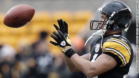 PITTSBURGH, PA - DECEMBER 24:  Hines Ward #86 of the Pittsburgh Steelers warms up prior to the Christmas Eve game against St. Louis Rams on December 24, 2011 at Heinz Field in Pittsburgh, Pennsylvania.  (Photo by Jared Wickerham/Getty Images)