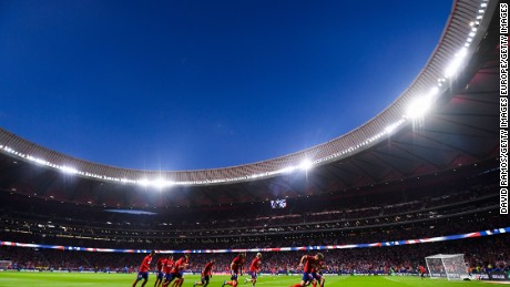 MADRID, SPAIN - SEPTEMBER 16: Atletico de Madrid players warm up prior to the La Liga match between Atletico Madrid and Malaga at Wanda Metropolitano stadium on September 16, 2017 in Madrid, Spain.  (Photo by David Ramos/Getty Images)
