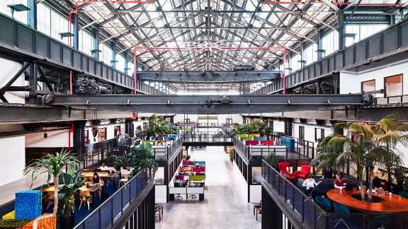 New Lab was an abandoned warehouse in Brooklyn's Navy Yard before being converted into a multipurpose workspace by Macro Sea.
