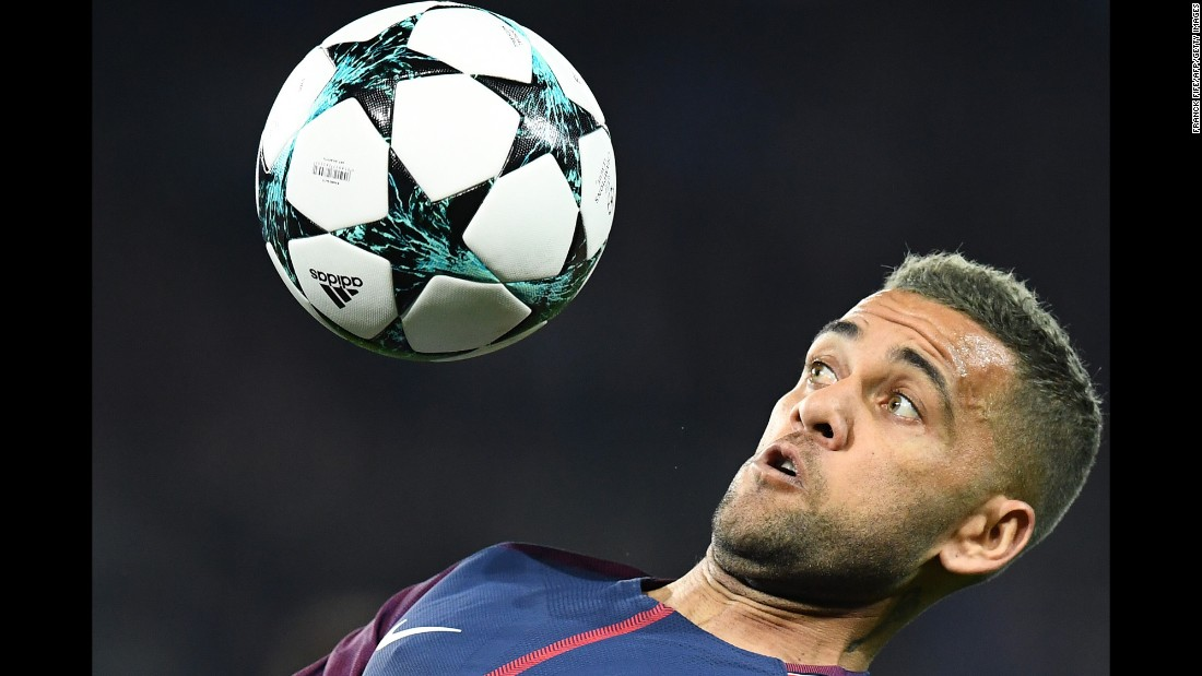 PSG defender Dani Alves controls the ball during a Champions League match against Bayern Munich on Wednesday, September 27.
