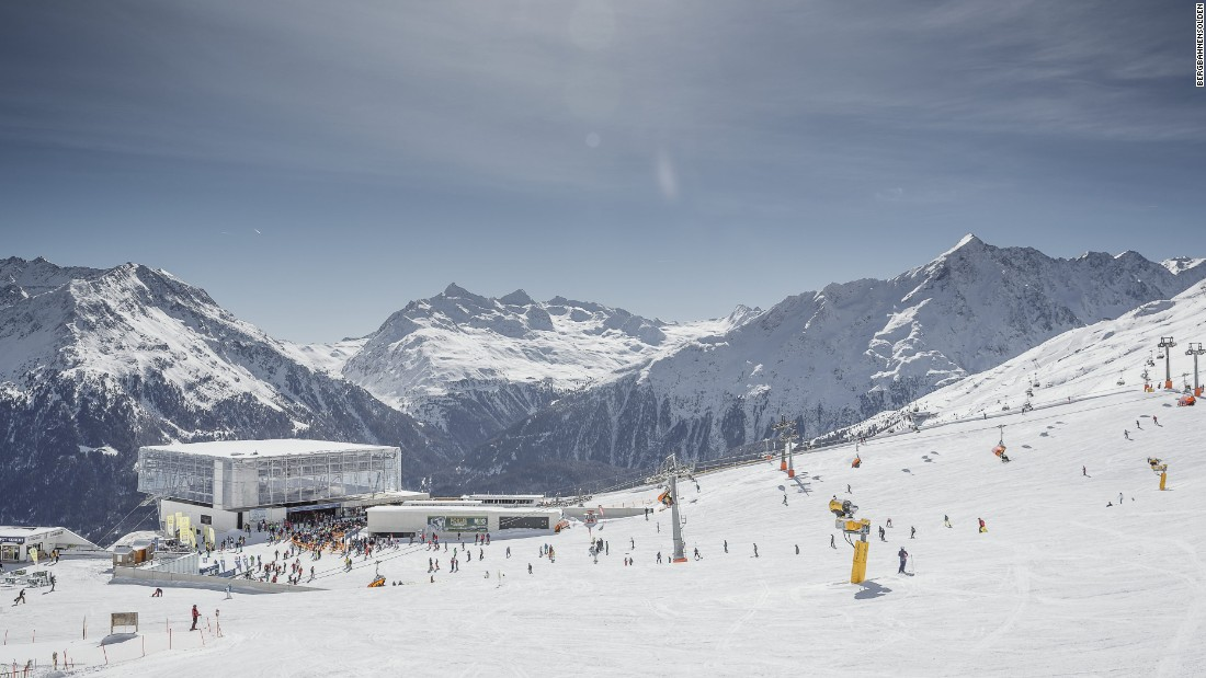 The recently installed high-speed Giggijochbahn whisks skiers up into Soelden's ski area with minimum delays.