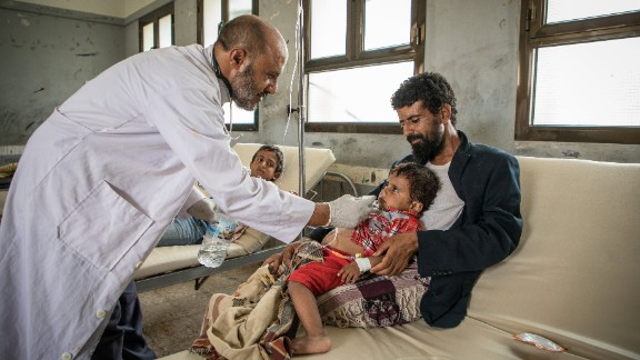 Patients are treated at an IRC-run diarrhea treatment center.
