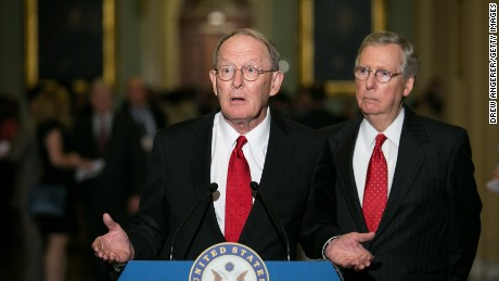 Bipartisan health care negotiations continue in Senate