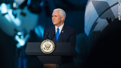 Mike Pence says The government wants the Americans back In five years on the moon