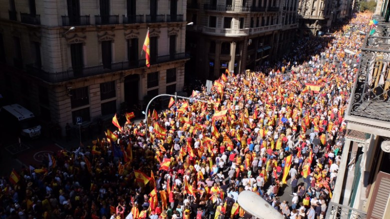 Catalan anti-independence rally hits Barcelona
