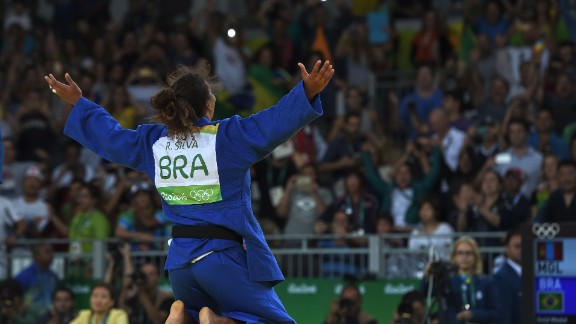 """""""This is effectively the same shot as the previous one, when she won Brazil's first gold medal at the Rio Olympics! Although not quite the same angle, I loved the symmetry."""""""