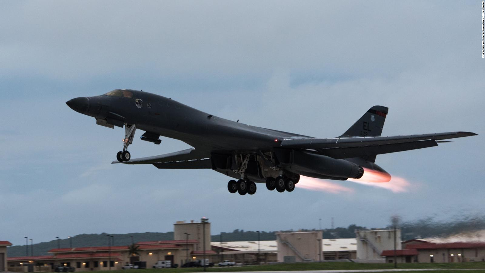 Watch US sends B-52 bombers ripping through South China Sea twice in a week video