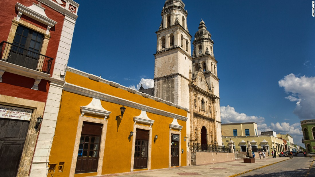 <strong>Campeche, Campeche: </strong>All of the facades in the historic center are painted in pastel hues and the main pedestrian street, Calle 59, has rotating art displays.