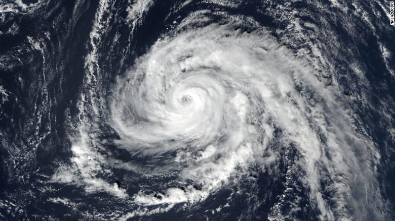 Powerful Hurricane Ophelia Heads Toward Ireland Cnn