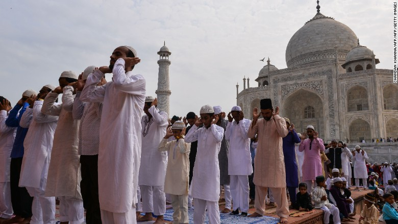 Image result for taj mahal muslim prayer