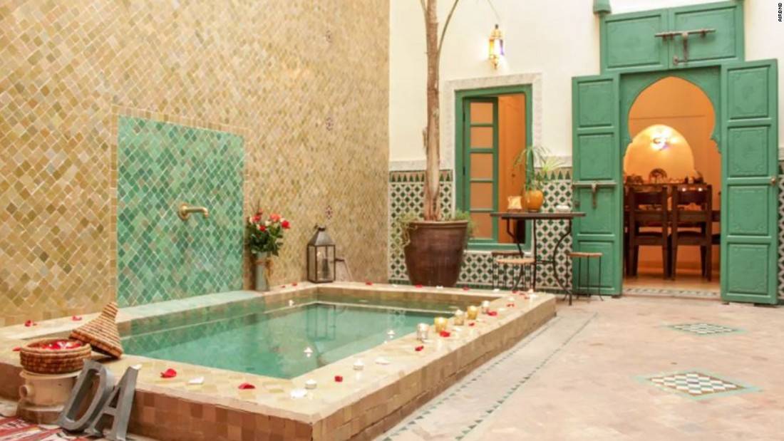 Airbnb enjoys spectacular surge in africa cnn for Airbnb marrakech