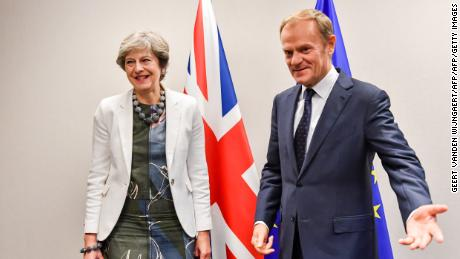 British Prime Minister Theresa May (L) and European Council President Donald Tusk are hoping to strike a deal.