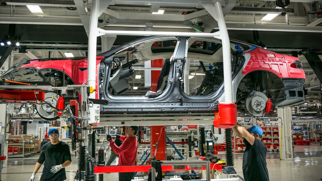 Tesla factory worker: Elon Musk doesn't have workers' best interests at heart
