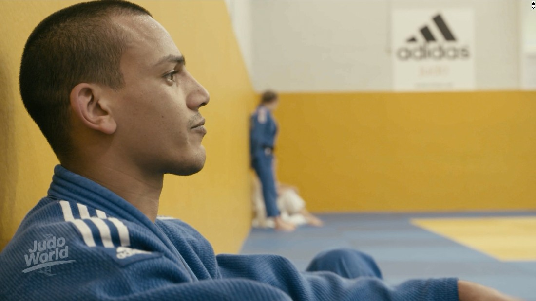 "Three years ago the eyesight of one of Britain's top judo talents was ""perfect."" Then he discovered he'd developed a rare condition called Keratoconus, which affects the cornea of the eye, impairing the ability to focus properly. His symptoms were mild at first but got progressively worse. ""Judo means everything to me. It has brought me back from somewhere where I had nowhere to turn,"" says<a href=""https://edition.cnn.com/2017/10/30/sport/judo-brothers-elliot-stewart-max-stewart/index.html""> Stewart,</a> who now wants to compete in the visually impaired -90kg weight category at the Tokyo 2020 Paralympics."