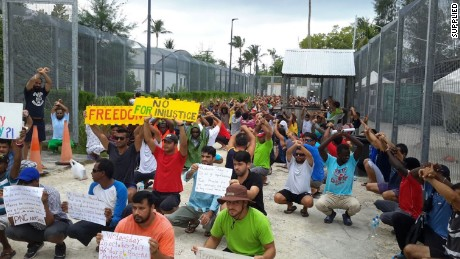 Powder keg on Manus Island as refugees refuse to leave immigration center