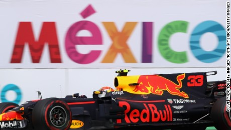 MEXICO CITY, MEXICO - OCTOBER 29: Max Verstappen of the Netherlands driving the (33) Red Bull Racing Red Bull-TAG Heuer RB13 TAG Heuer on track during the Formula One Grand Prix of Mexico at Autodromo Hermanos Rodriguez on October 29, 2017 in Mexico City, Mexico.  (Photo by Clive Mason/Getty Images)