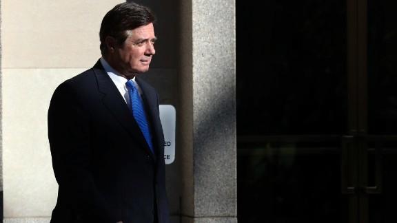 Paul Manafort walks from Federal District Court in Washington. (AP/Alex Brandon, File)