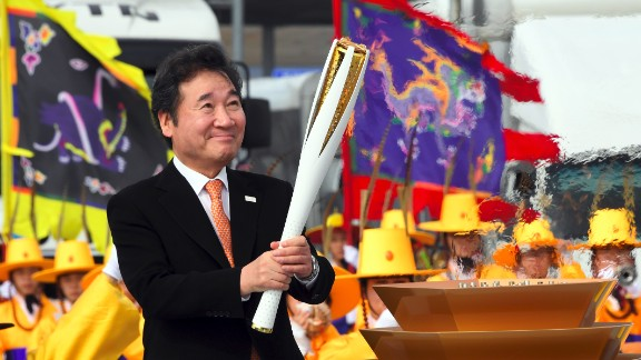 The iconic Olympic flame arrived in South Korea on Wedesday, November 1, signaling 100 days to go until the PyeongChang 2018 Winter Games.