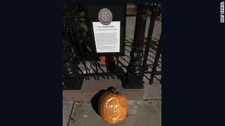 Finkel placed the jack-o-lantern outside of Manafort's townhouse on Wednesday.