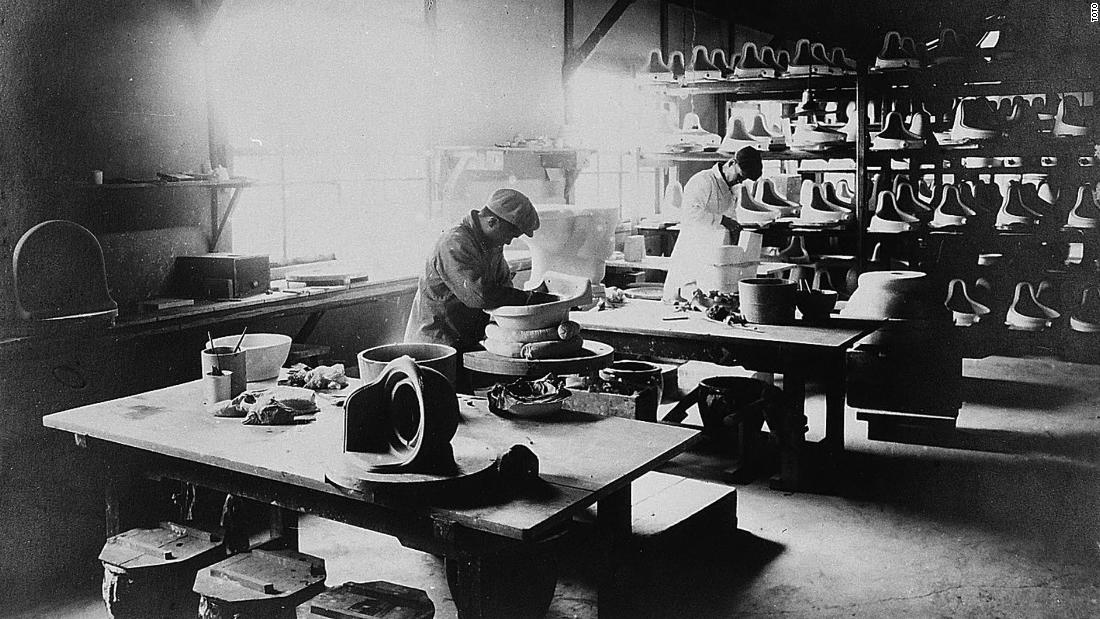 Prior to that, he had been running a ceramics factory, which is pictured here in 1914. It was in this Kitakyushu facility that Japan's first Western toilet was produced.