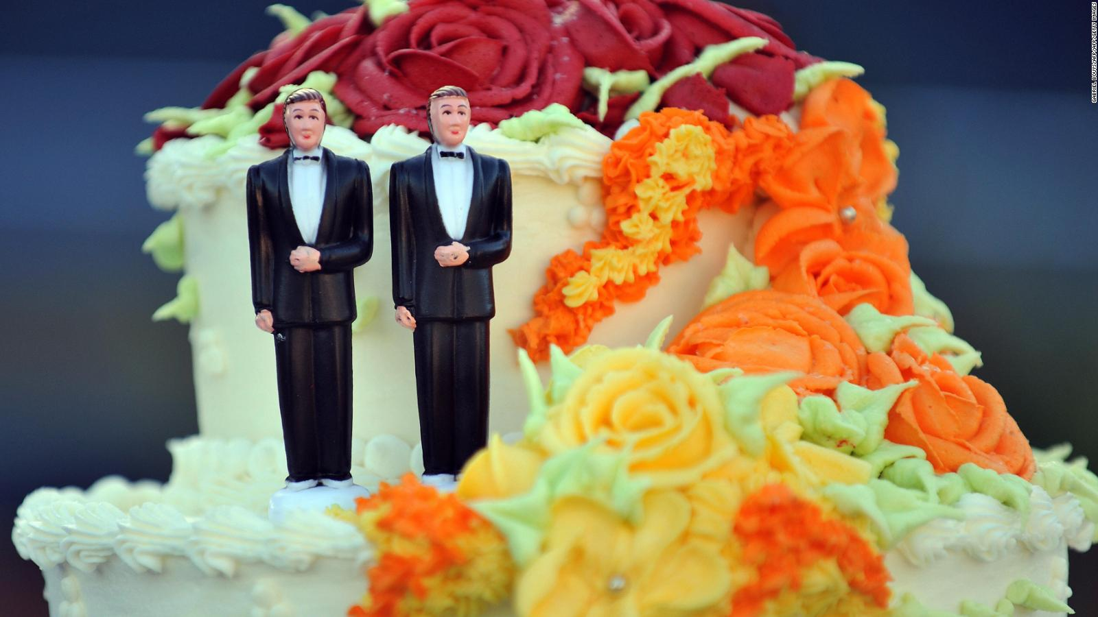 What did the gay couple want on their cake
