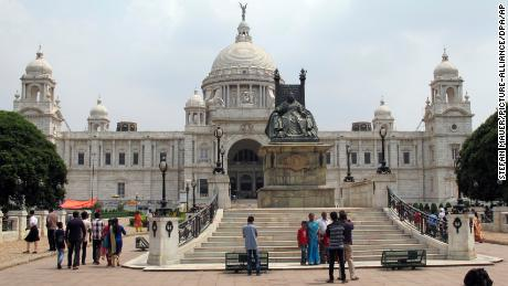 View of the Victoria Memorial in Kolkata, India, 18 May 2017. The building was built in honor of the Queen Victoria by the British Colonial powers in 1921. Today it holds a museum. Kolkata embodies the clashing of colonial splendour and bitter poverty - the German writer and literature nobel prize winner Guenter Grass saw the structural inequalities in 1975. He both loved and hated the city until his death. Photo by: Stefan Mauer/picture-alliance/dpa/AP Images