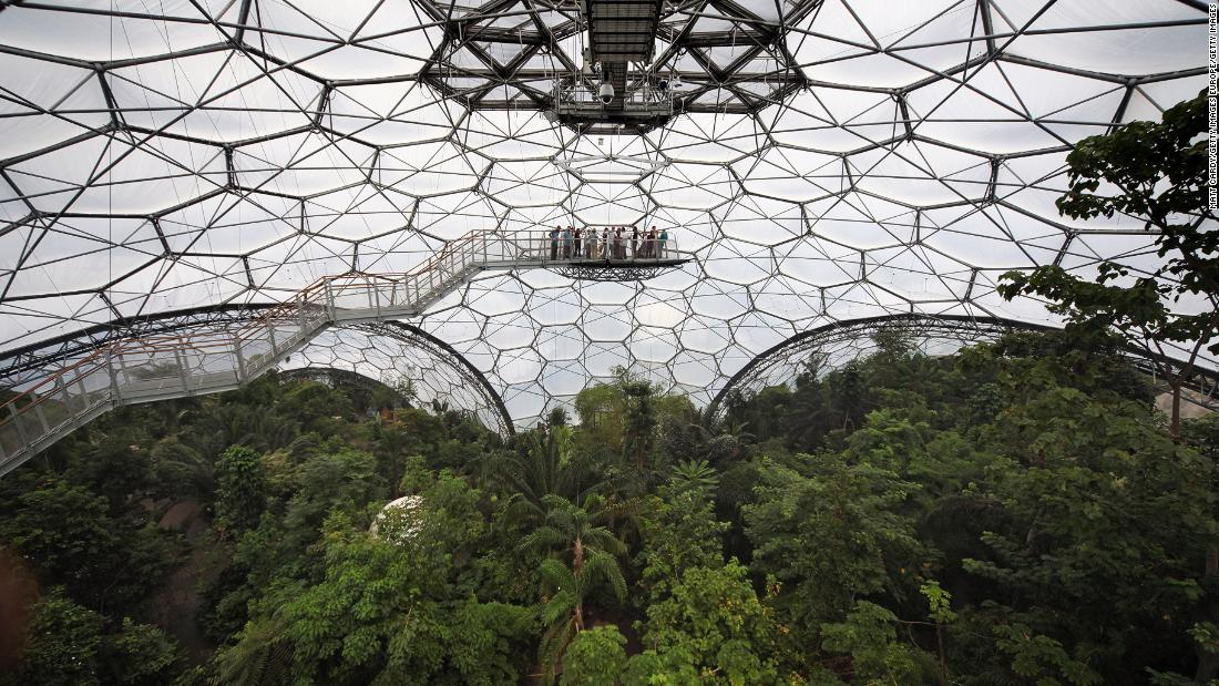 The two large biomes house close to 3,000 species of plants from all over the world.