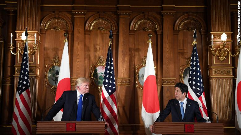 Abe, Trump hold joint press conference (full)